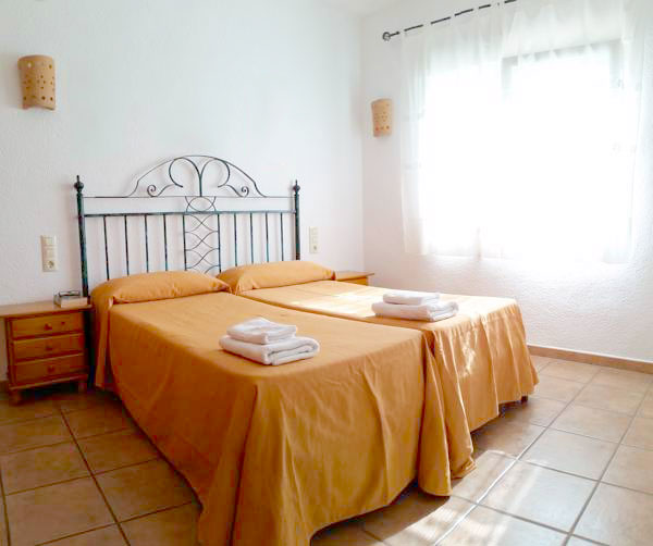 Ref4: 2PB Apartment for 2 people without livingroom.